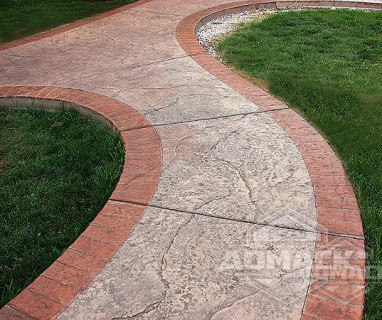 Отделка садовых дорожек печатным бетоном